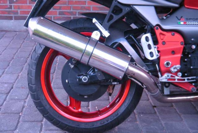 Twin polished round stainless steel Mufflers to fit all Daytona, V11, Models